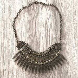 URBAN OUTFITTERS   Bib Statement Necklace